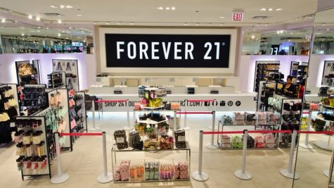 Forever 21 plans on closing roughly 180 locations in the U.S., shutting down operations in Asia and Europe as well.
