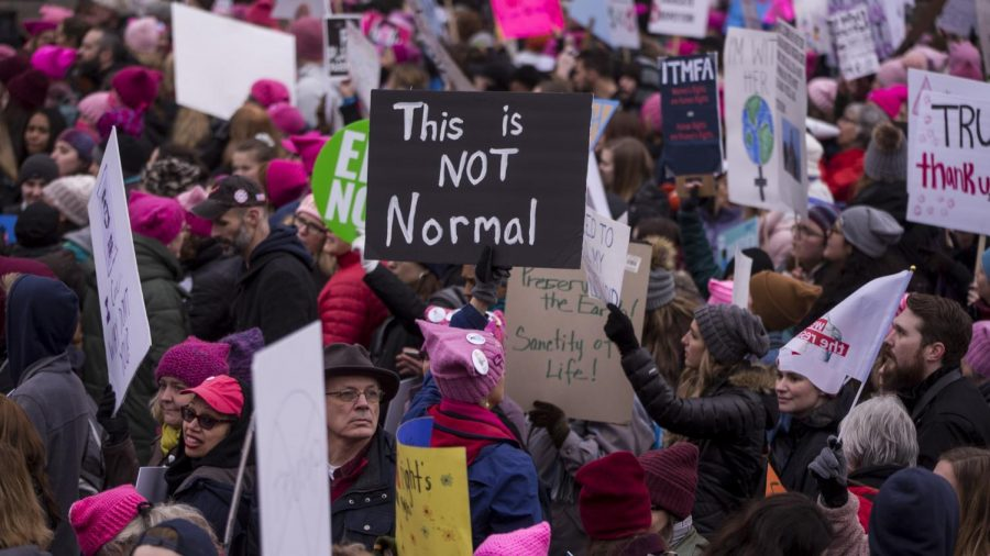 A crowd of marchers gathering at the 2020 Women's March (Getty Images).