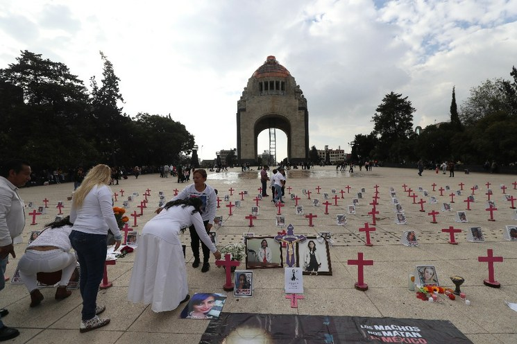 A tributes created to honor the victims of femicide crimes and protest the inactivity of institutions failing to prevent it are spreading across Mexico given recent events.